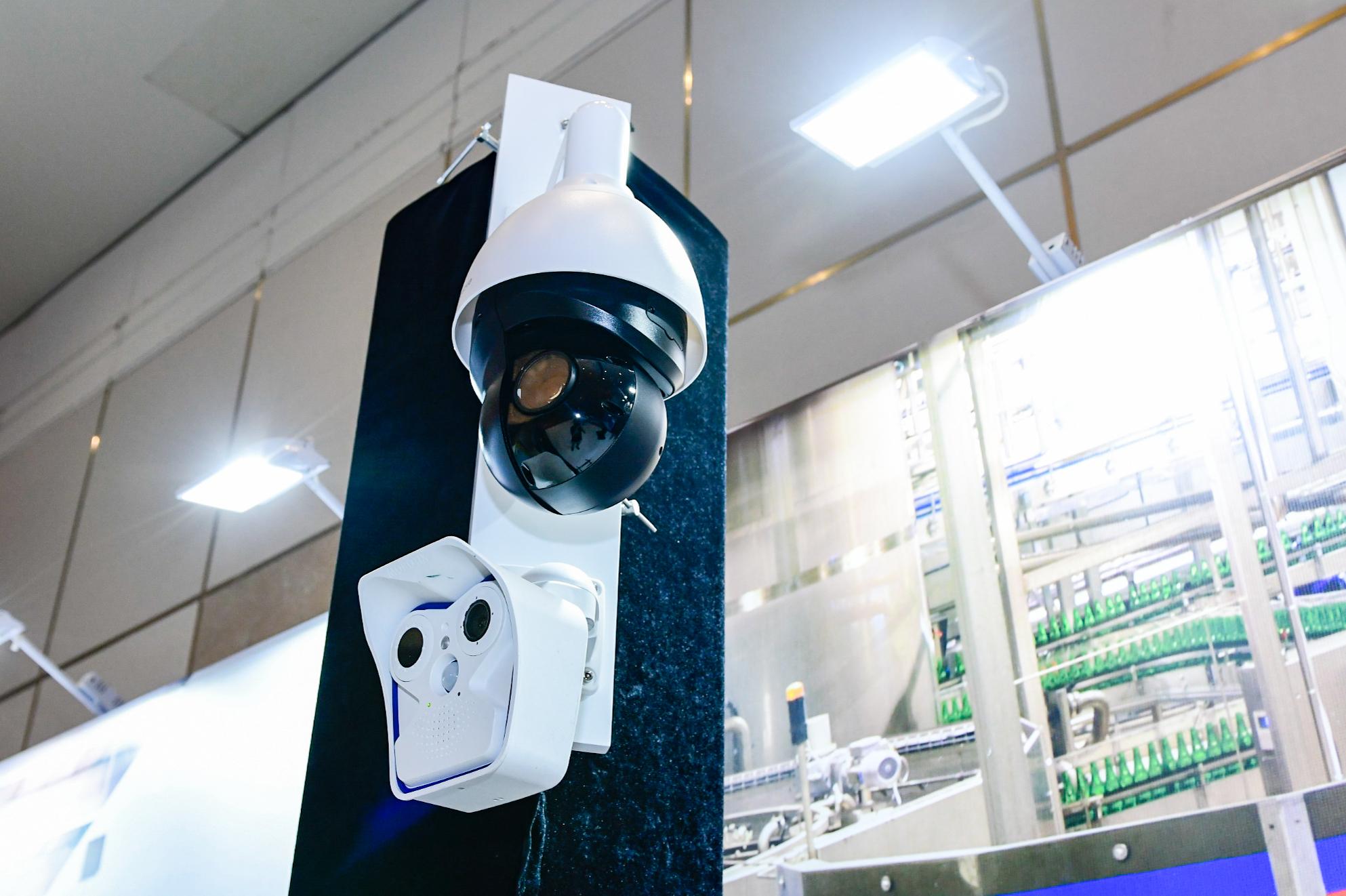 5-巡展上海站现场展示的MOBOTIX智能视频解决方案.jpg